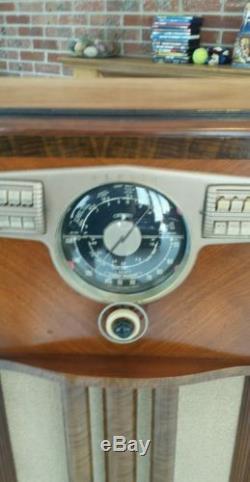Zenith console tube radio