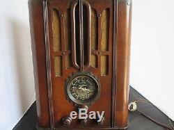 Zenith tombstone radio model 5-S-29
