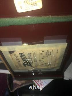Zenith vintage tube radio Maroon model no a513r vgc. Needs new plug
